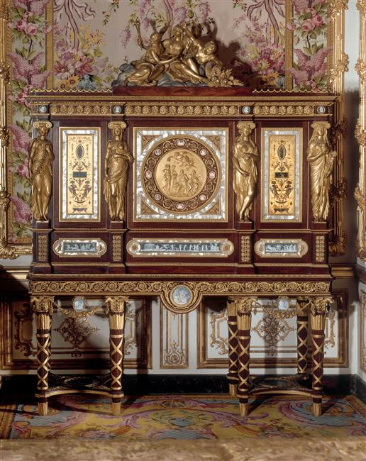 les meubles mythiques du ch teau de versailles meuble. Black Bedroom Furniture Sets. Home Design Ideas