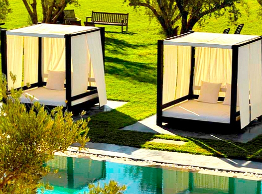 le mobilier de jardin de luxe transformer son espace. Black Bedroom Furniture Sets. Home Design Ideas
